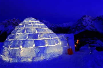 une nuit dans un igloo en suisse la cerise sur la d c. Black Bedroom Furniture Sets. Home Design Ideas